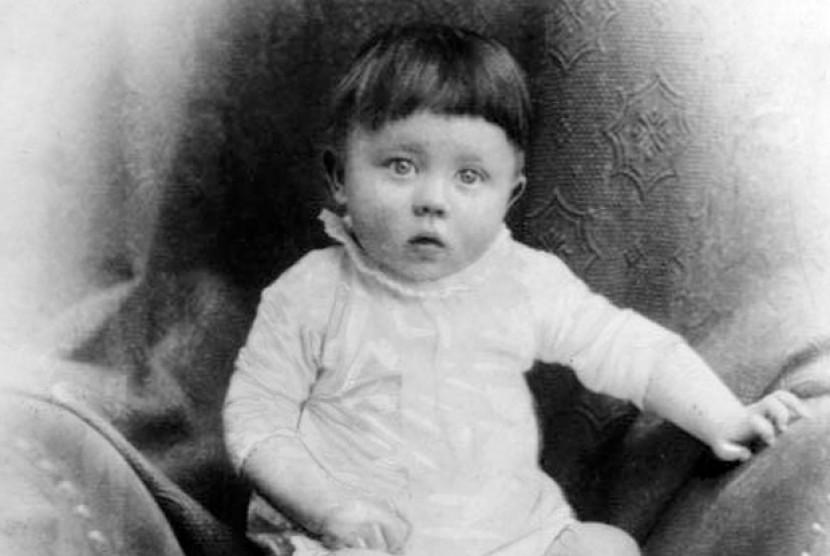 Adolf Hitler Diselamatkan Dari Lemas Ketika Kecil